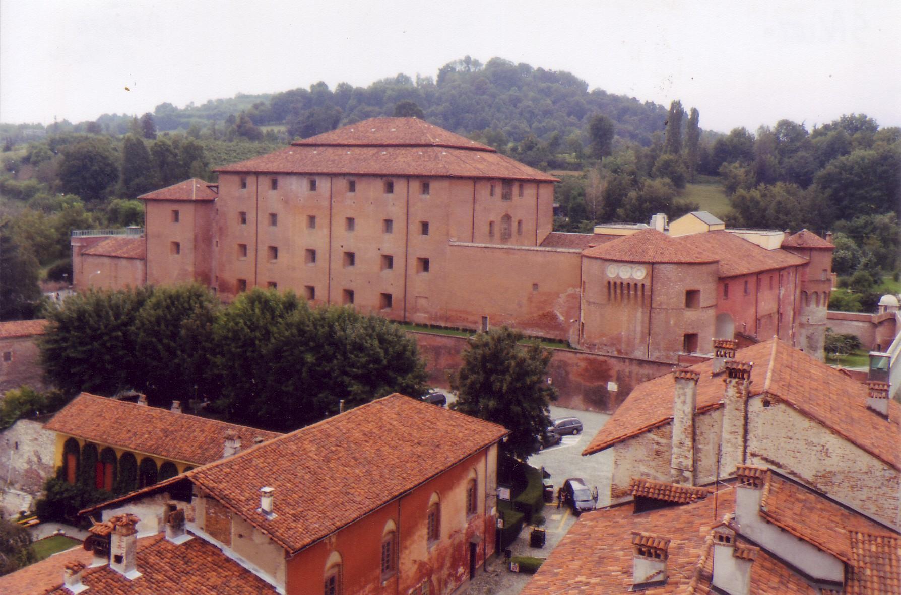 Castiglia,_residenza_dei_Marchesi_di_Saluzzo