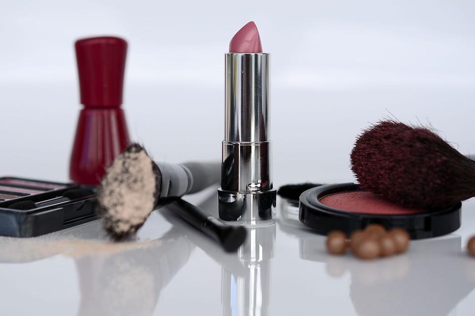 cosmetics-1367782_960_720