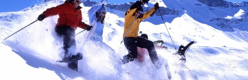passeggiata-con-racchette-sulla-neve-presso-la-jungfrau