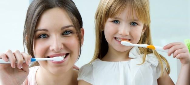 elementare-casa-d-39-infanzia-femminile-dentale_1301-3162