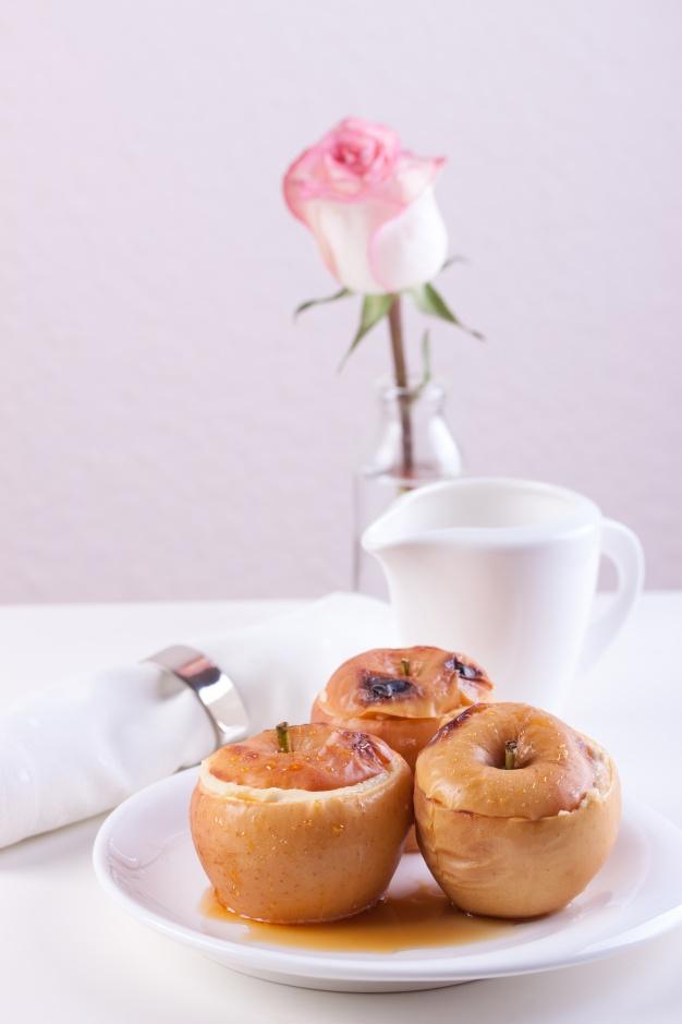 mele-al-forno-per-dessert_1220-35
